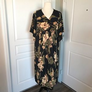 PLUS SIZE BLACK FLORAL KIMONO MAXI DRESS